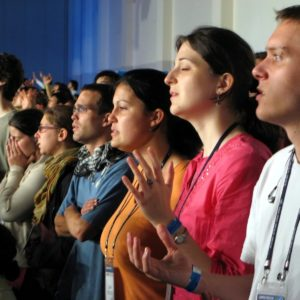 Le culte évangélique : quand communion fraternelle et prédication se répondent