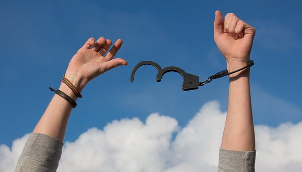 Laxisme ou légalisme, un dilemme fatal ?