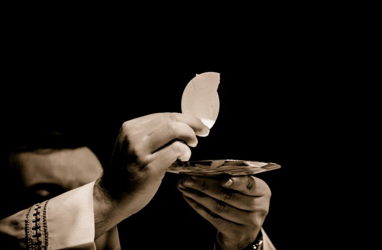 Un évangélique peut-il participer à l'Eucharistie ?