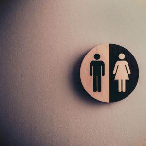 La prééminence de l'homme sur la femme est-elle présente en Genèse 1.26-27?